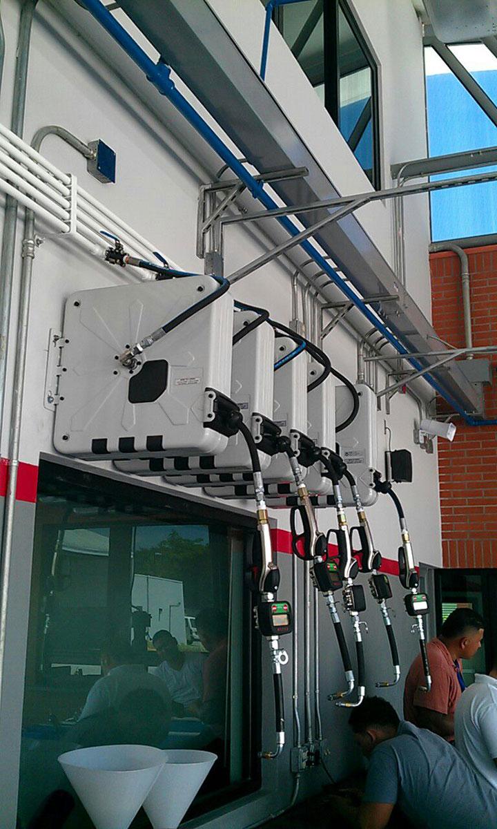Zidni koturovi za različite fluide u velikom servisu